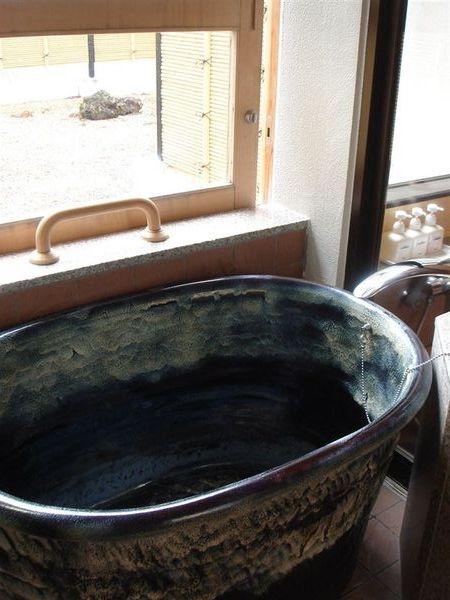 有室內展望風呂 (陶缸)