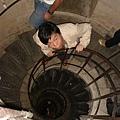 登上凱旋門的階梯
