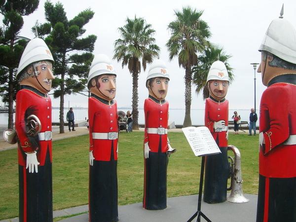 Geelong 木雕人偶 樂隊