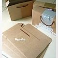 素顏的紙盒與上妝後