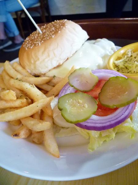 Michino Diner AP點的愛麗斯雞堡