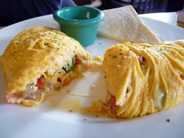 Michinio Diner Cindy點的Vege Omelette 切開圖