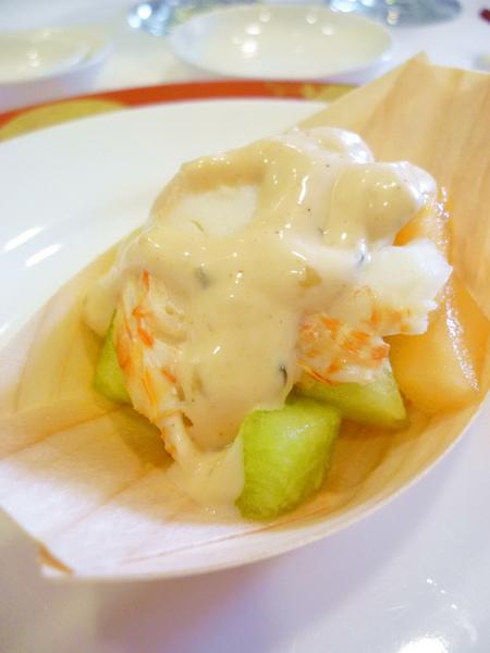 龍蝦肉 和底下的哈密瓜粒 好吃