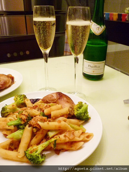 roast chicken with tuna pasta & sparkling wine