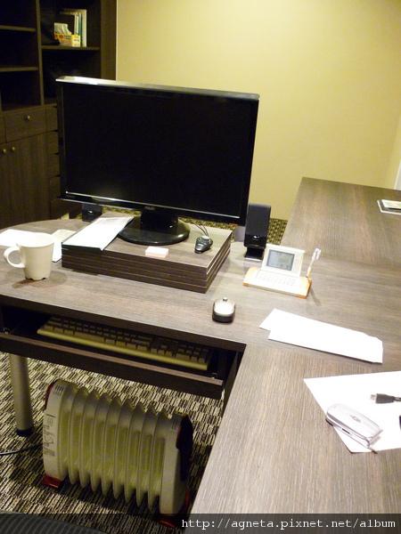 4F 書房 T 型書桌