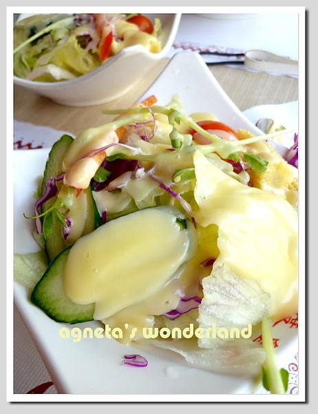 沙拉w/百香果醬汁