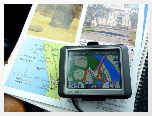 設好GPS,準備朝Cervantes & Pinnacles Desert 邁進!!三小時的車程ok的啦!!