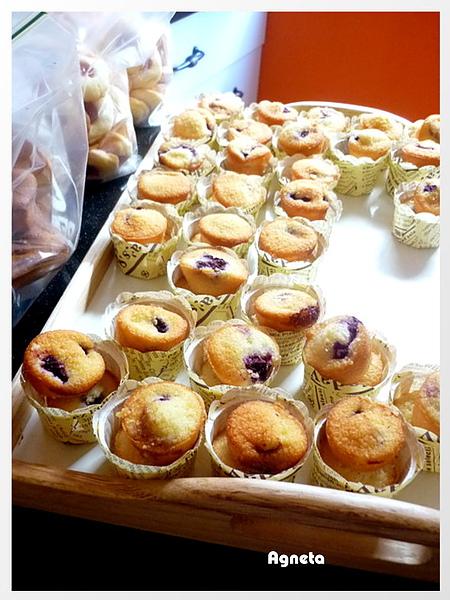 藍梅杏仁迷你蛋糕