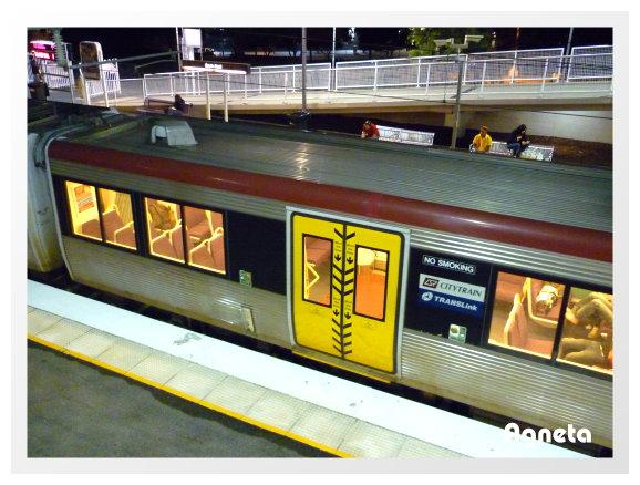 搭火車去市區