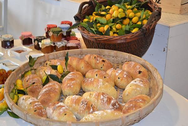 20111124-4食材玩家victor把金橘的美味融入麵包裡.jpg