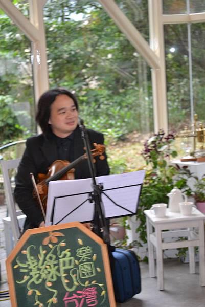 20111126-6中提琴歐聰陽.jpg