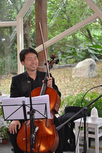 20111126-7大提琴歐陽慧儒.jpg