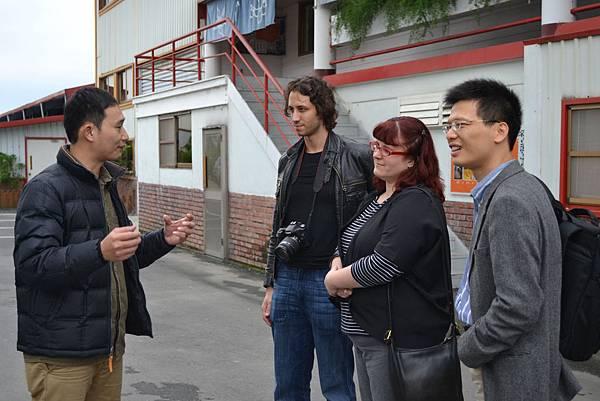 20111213-1橘之鄉的林鼎剛經理負責此次的導覽解說.jpg