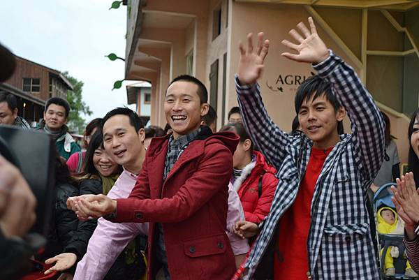 20111225-7浩翔把從橘之鄉贏來的好吃蜜餞與大家分享.jpg