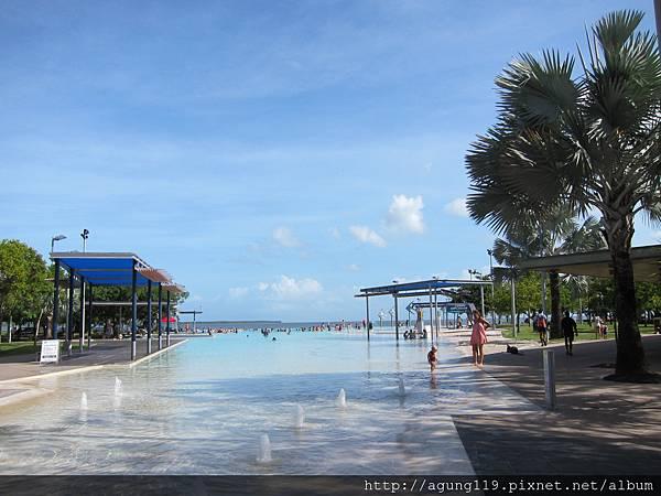 3-002-藍天相伴的鹽水湖