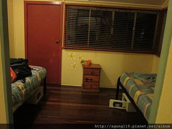 3-118-還有另外的單人床
