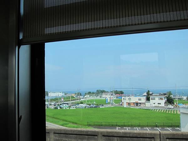01-014-湖西線的琵琶湖景