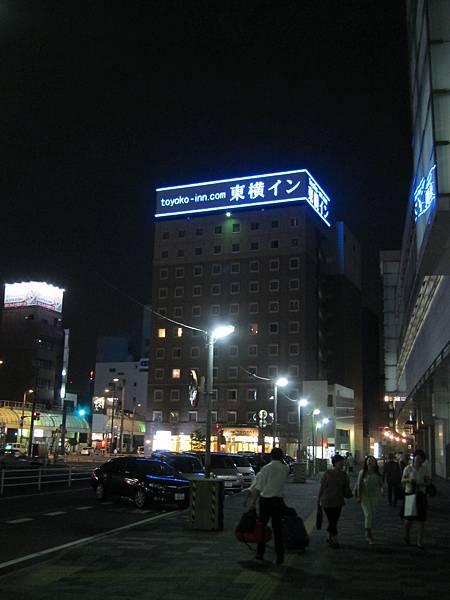 01-058-夜間的東橫INN
