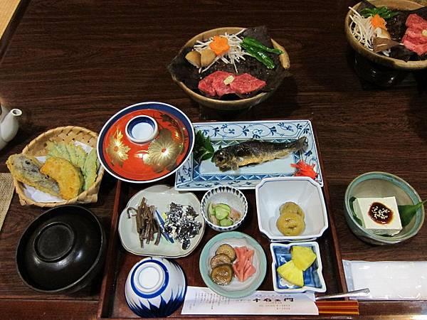 178-民宿晚餐.JPG