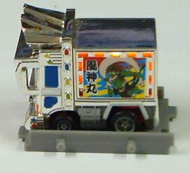 歌舞技町車(亮燈)