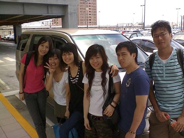 18-06-08_6個香港好友.jpg