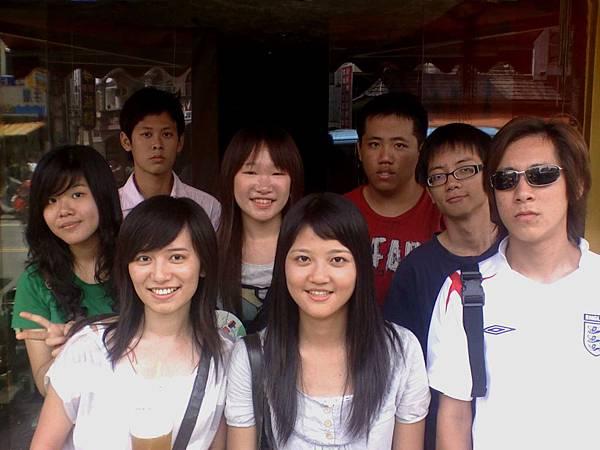 01-06-08_帥哥美女.jpg