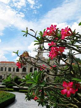 越南市政廳.....連越南的都比台北美是怎樣