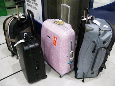 戴白馬去時行李就20公斤了...最小的就是我啦