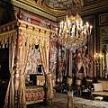 隨便一間房間都是金碧輝煌,我都搞不清楚到底哪間是國王睡的了