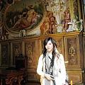 長廊畫滿了壁畫