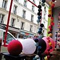 蒙馬特有很多可愛小店~~超可愛的燈飾店