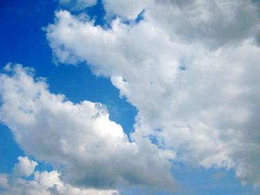 不要懷疑天空就是這麼藍