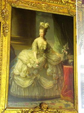 宮廷畫作每件都超細,細看連蕾絲都畫的一絲不苟