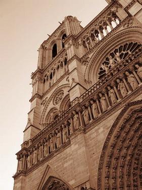 聖母院外觀每一尊雕飾都不一樣