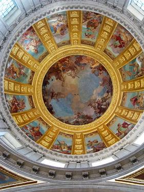 整個用金子打造的圓頂教堂
