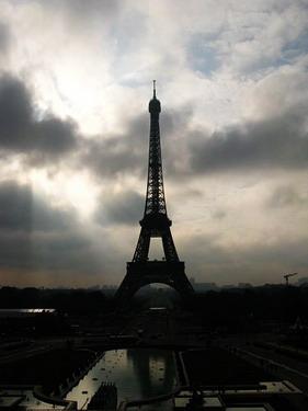 """再到看鐵塔的最佳景點""""夏瑤宮""""去看艾菲爾鐵塔"""