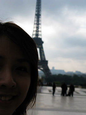 我與巴黎鐵塔的失敗合影