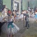 竇加最愛畫芭蕾舞後台,這幅「舞蹈課」也是很讚