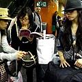 研究往機場的RER班次
