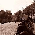 巴黎....浪漫之都~~(TACO偷拍也是被發現了)