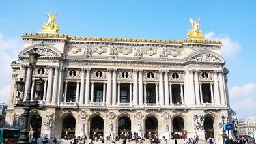 加尼葉歌劇院因為我們跟怡文有約所以也沒多停留看看它的雕飾