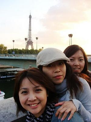 這號稱是最快速瀏覽巴黎塞納河周邊的方式