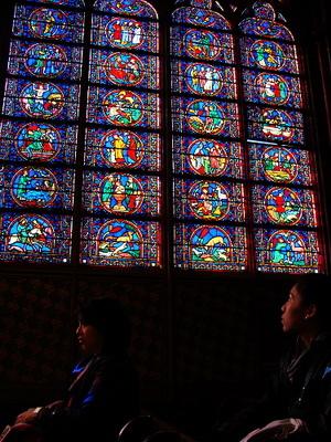 這些彩繪玻璃都是偉大傑出的藝術