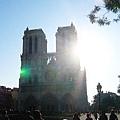 大家都想來看這800多年歷史的教堂