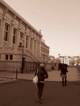 左邊是巴黎最高法院