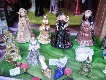 還有很法國宮廷風的飾品