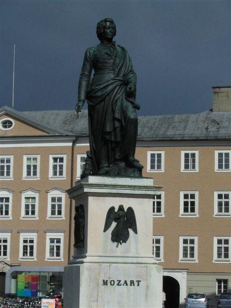 莫札特雕像