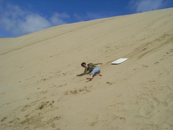 Polo也是滑成了泥人,噢不,是沙人