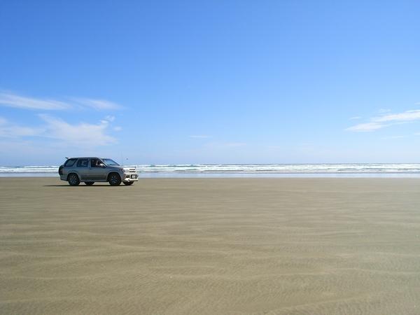這裡的賣點是可以駕車上沙灘馳騁