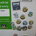 公用廚房冰箱門上貼了來自台灣(吧)的哆啦A夢磁鐵呢,還有章魚哥!